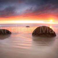 New Zealand: Moeraki Boulders 2